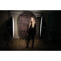 Reversible Collapsible Backdrop Kit(Shown in use)